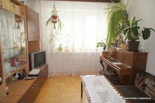 mieszkanie 3 pokojowe rzesz w baran wka. Black Bedroom Furniture Sets. Home Design Ideas